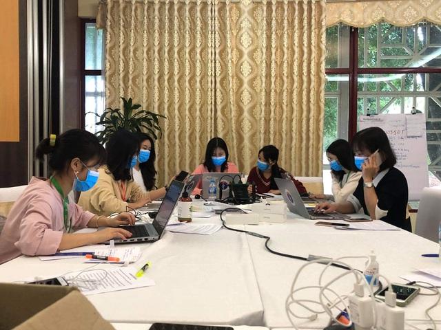 """Nhật ký chống dịch"""" của nữ sinh viên trong đội truy tìm dấu vết Covid-19"""